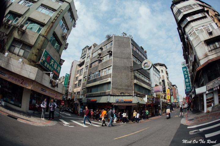 搭双层观光巴士游台北|红线攻略